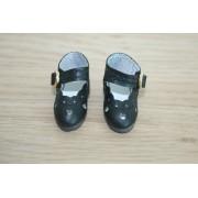 Chaussures découpées à petits coeurs noires