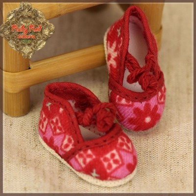 Chaussures Roses à motifs rouges pour Yu Ping