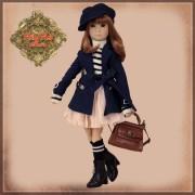 Poupée Yuma en manteau bleu et béret - Senson Doll 30 Cm - Ruby Red