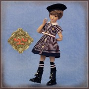 Poupée Yuma uniforme scolaire - Senson Doll 30 Cm