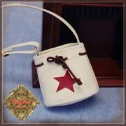 Sac blanc étoile rouge pour poupée Ten Ping 20 Cm - Rubyred