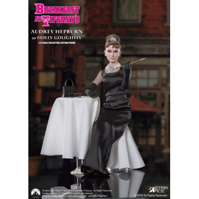 Figurine articulée Audrey Hepburn Breakfast at Tiffanys - Deluxe Version - Star Ace