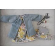 Vêtement Carla Robe fleurie et manteau pour poupée Las Amigas - Paola Reina