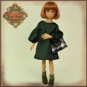 Ensemble Robe verte et sac à main pour poupée Rubyred 30 Cm
