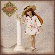 Ensemble Robe fleurie brodée et chapeau pour poupée Rubyred 30 Cm