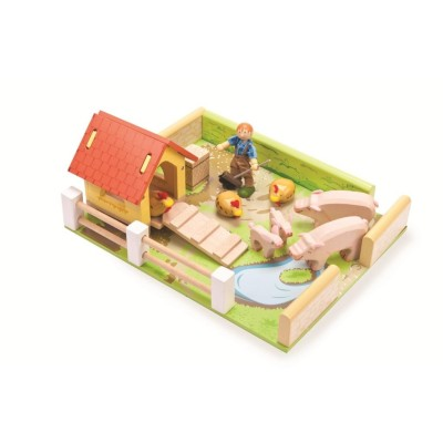 Poulailler et l'enclos des Cochons en bois